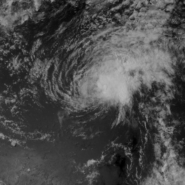 Zdjęcie satelitarne burzy tropikalnej Flossie (United States Naval Research Laboratory)
