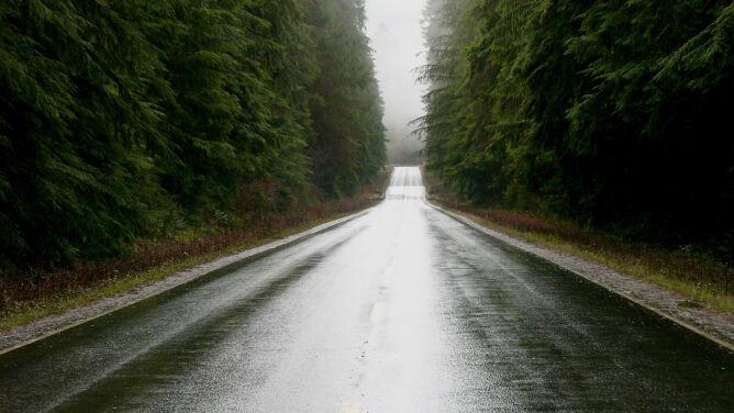 Burze i deszcz utrudnią podróżowanie