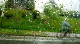 Prognoza pogody na jutro: wciąż będzie padać, możliwe burze