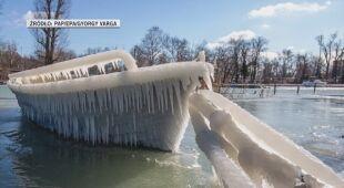 Brzegi Balatonu pokryte lodem